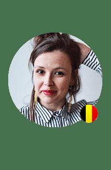 Een Franse professionele stem voor je voicemail? Caroline heeft een frisse opgewekte stem.